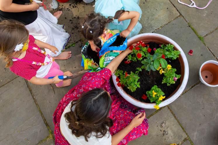 children-flower-pots-web
